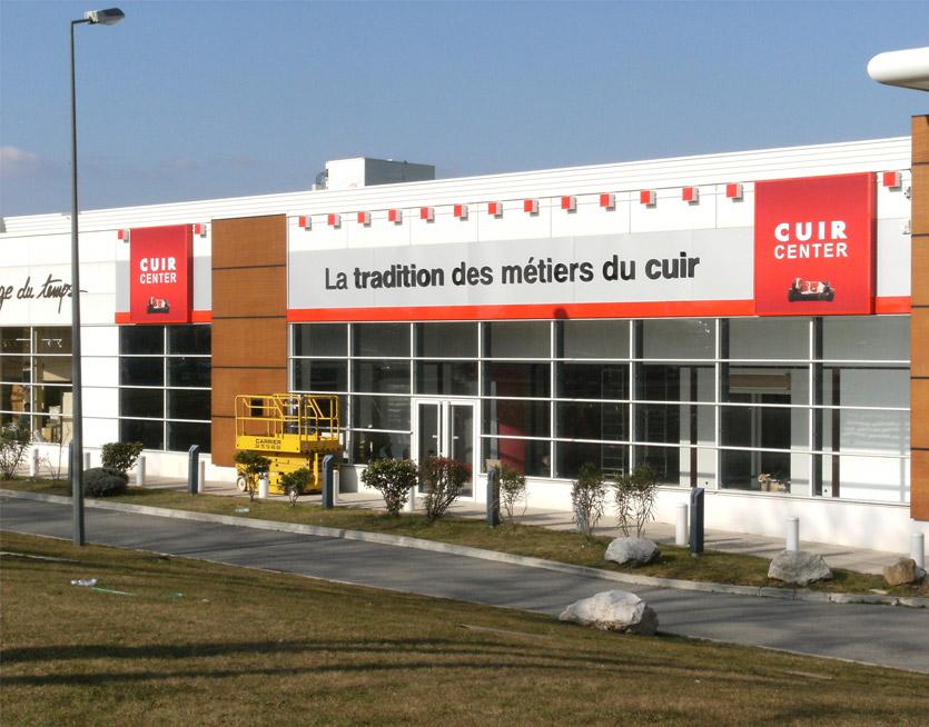 Cuir Center Signes Distinctifs